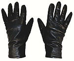 SL-mara-blacksuit-gloves.jpeg